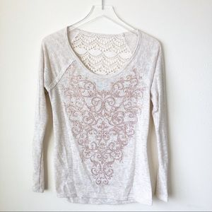 🌸 Maurices | Ivory long sleeve with lace back